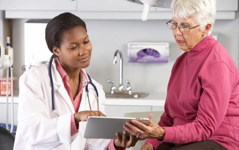 Risk of Complications After Thyroidectomy Not Increased in Older Patients, Study Reports